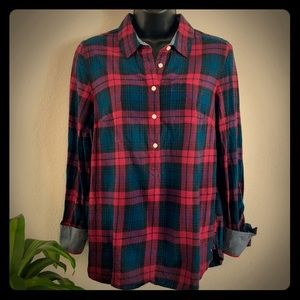 Tommy Hilfiger medium plaid long sleeve shirt